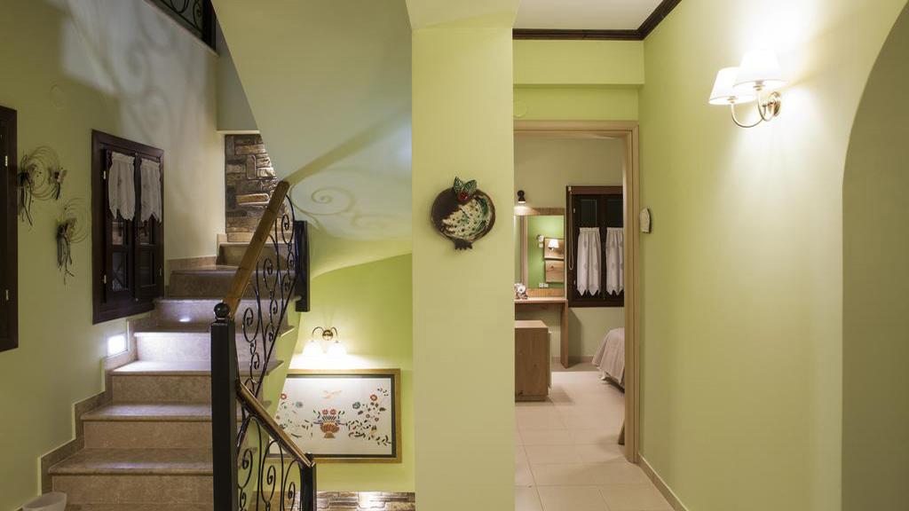 Traditional boutique hotel - MAVROS